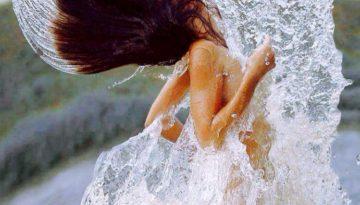 zena a voda 1